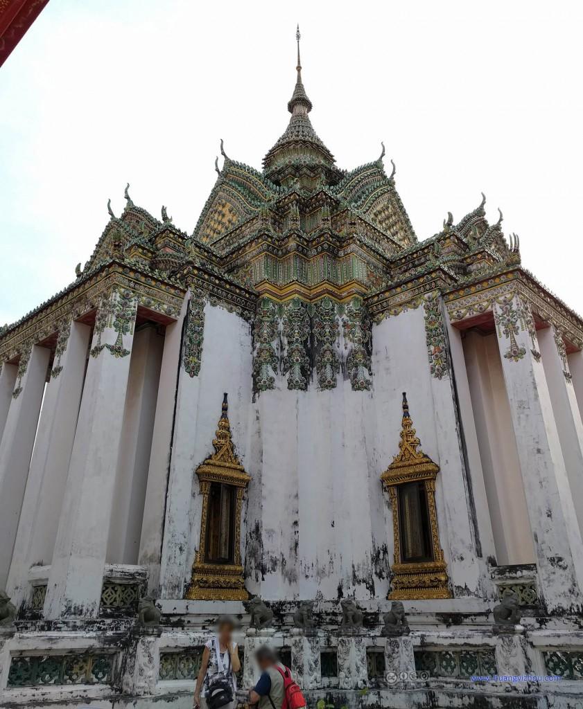 卧佛寺内,Phra Mondob,看上去有点年纪了