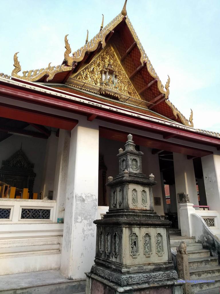 卧佛寺西南角的Sala Karn Parien,明显建筑的维护程度没有北面游客聚集的区域要好