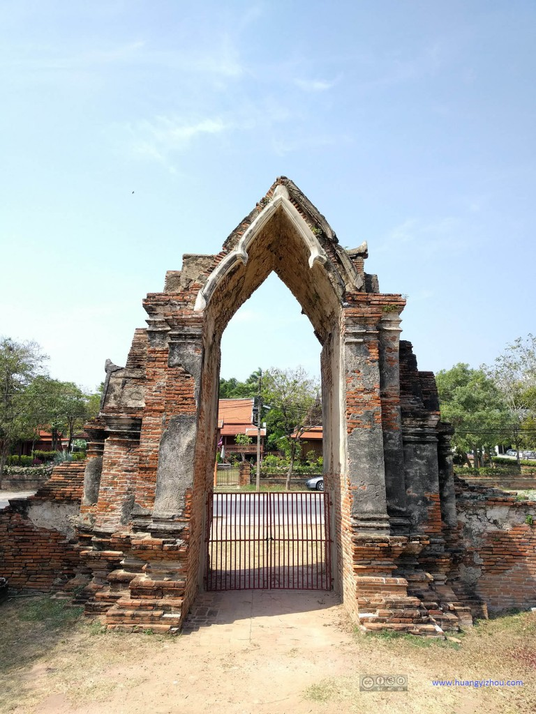 Wat Rat Praditthan,另一侧被封住的入口