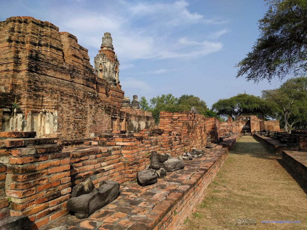 Wat Phra Ram,这应该曾经是一个摆放佛像的回廊