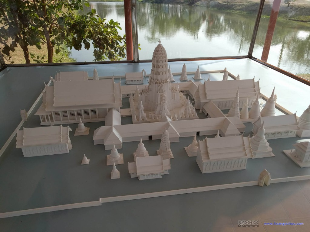 Wat Phra Ram门口摆放的其完整时期的模型(前几个遗迹的门口也有,没有拍而已)