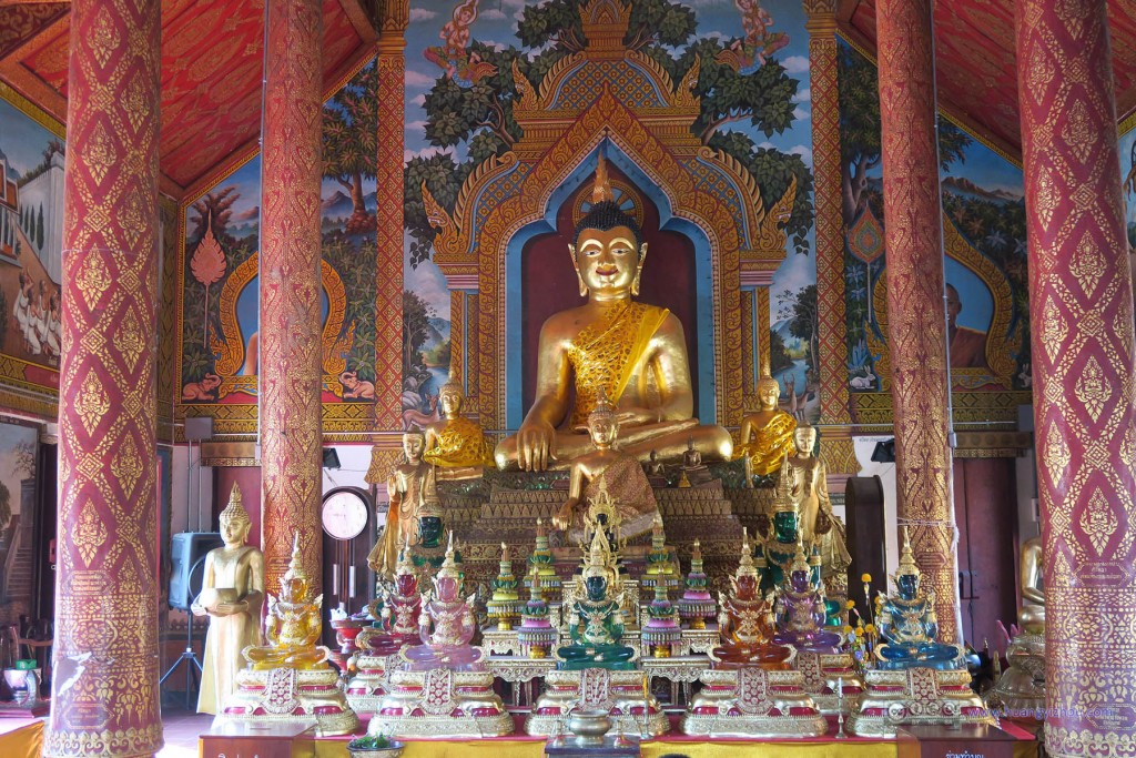 Wat Thung Yung内部,不同质地的佛像