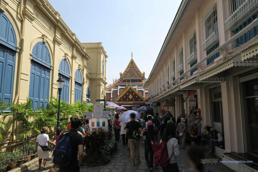 大皇宫正式的入口,人山人海状