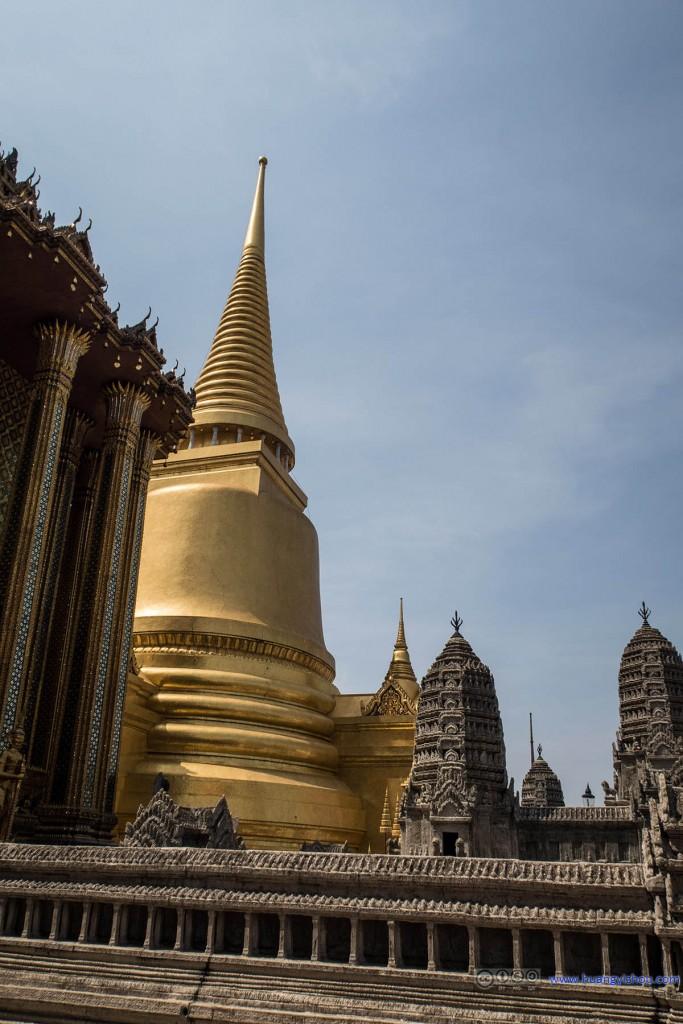 Phra Si Rattana Chedi和吴哥窟模型