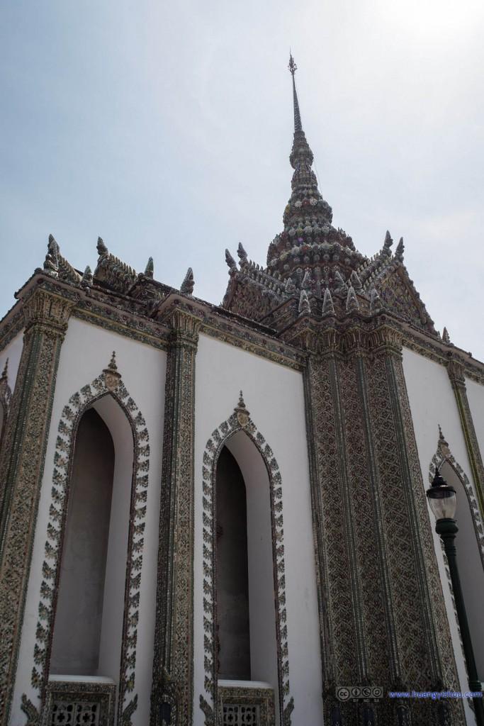 玉佛寺内,Phra Sawet Kudakhan Wihan Yot
