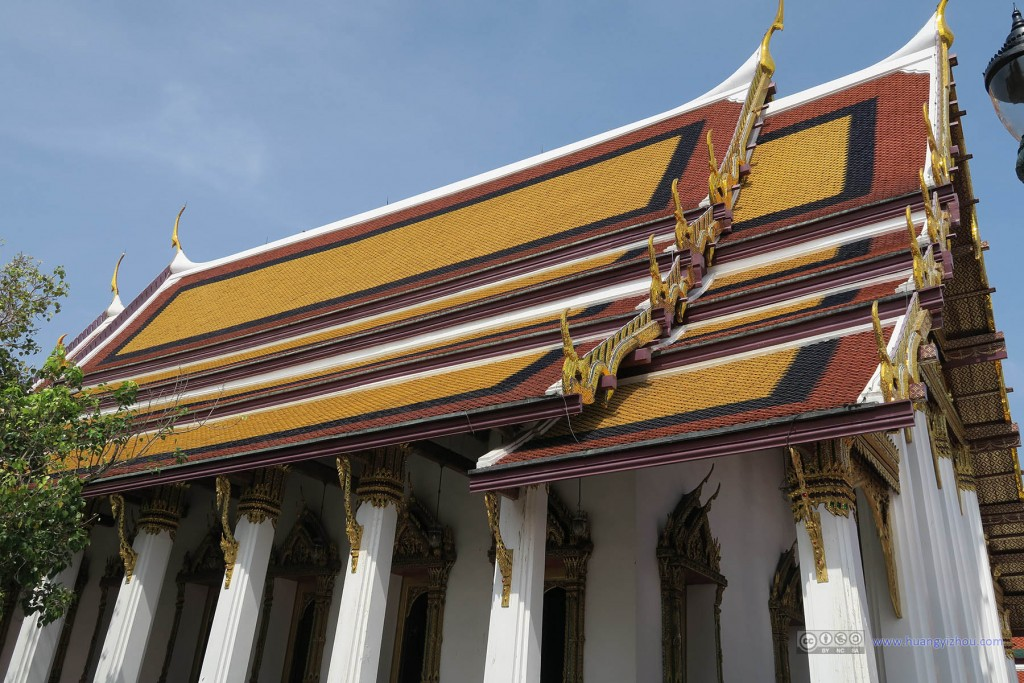 玉佛寺内,Ho Phra Monthian Tham