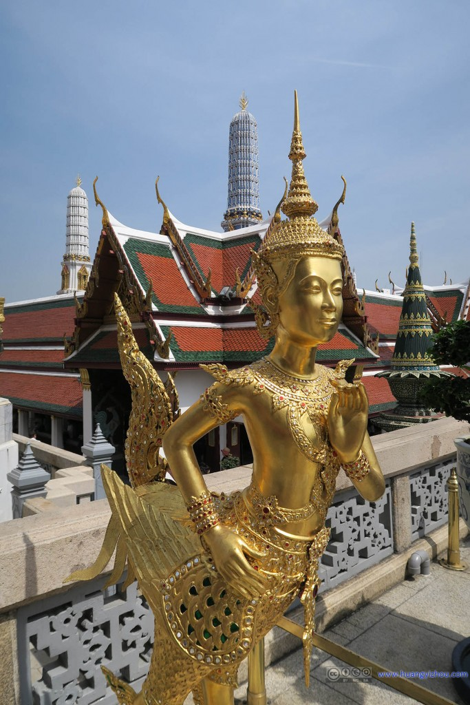 玉佛寺内另一种人鸟合体的生物,好像在泰文化中这种生物还挺普遍的