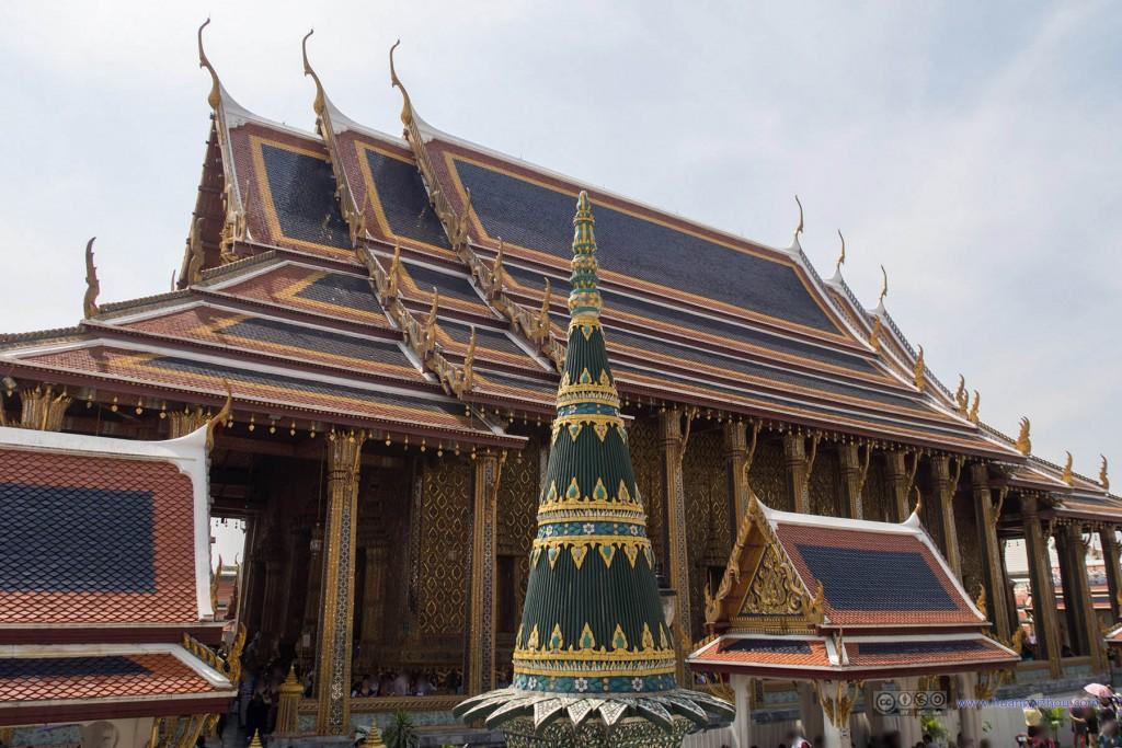 Ubosot and the Emerald Buddha, 这是玉佛寺的主殿了