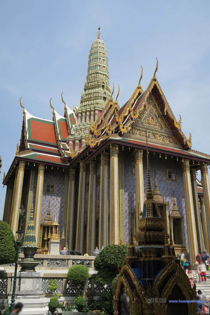 Prasat Phra Thep Bidon