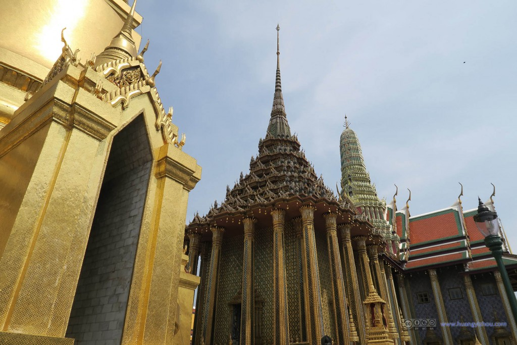 Phra Si Rattana Chedi与Phra Mondop与Prasat Phra Thep Bidon