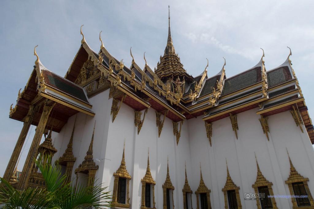 Phra Thinang Dusit Maha Prasat