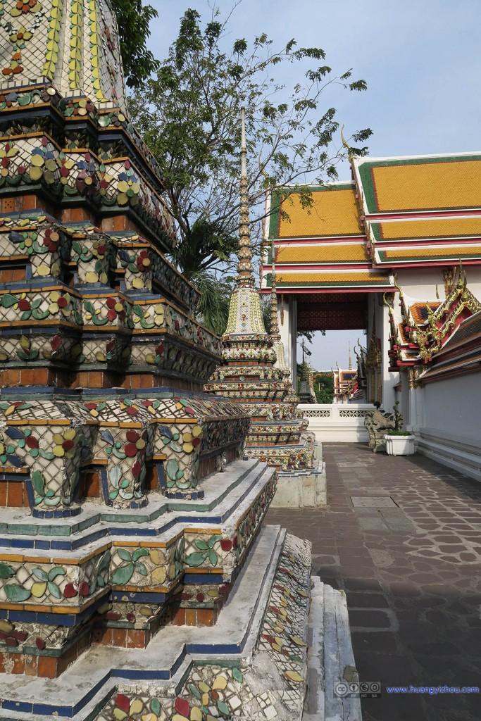 卧佛寺里的Phra Chedi Rai
