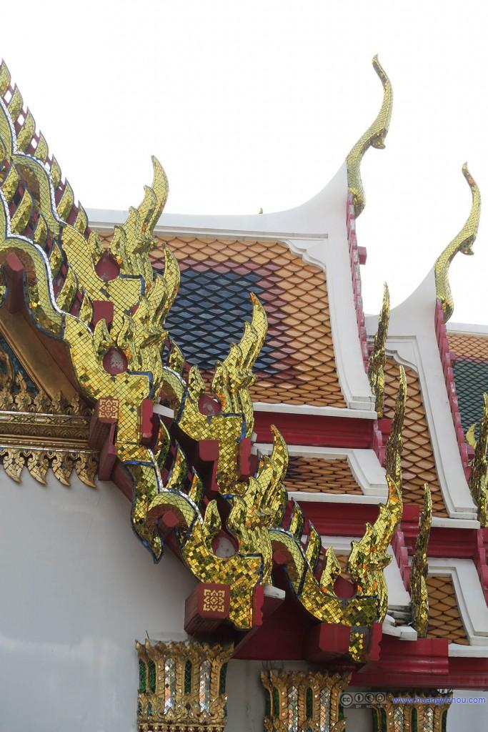 卧佛寺的屋檐细节