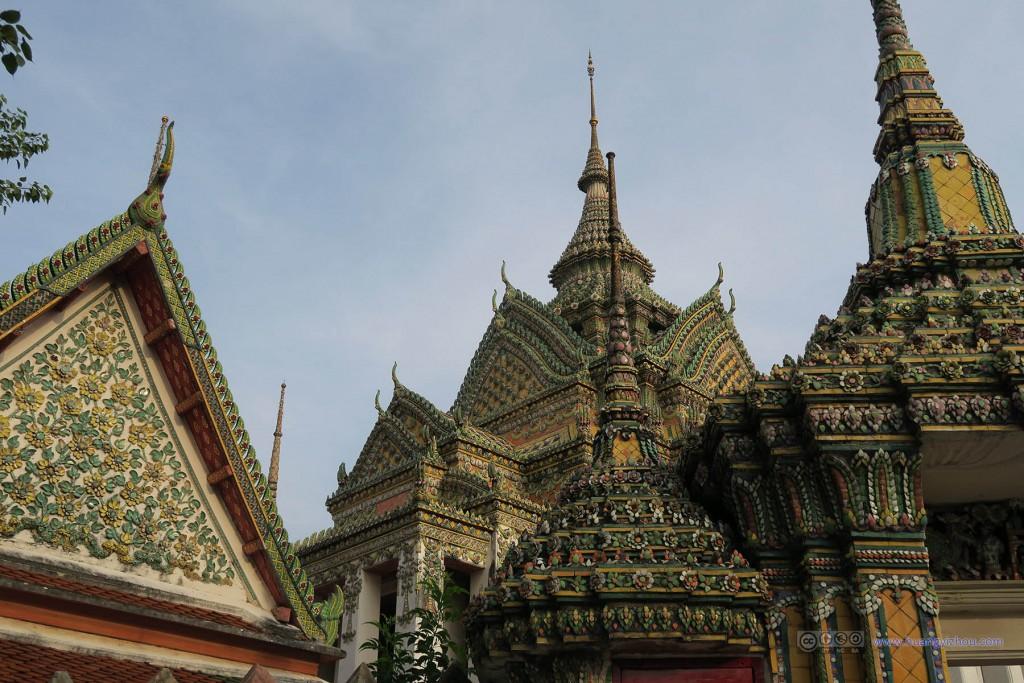 卧佛寺内,Phra Maha Chedi Si Rajakarn群