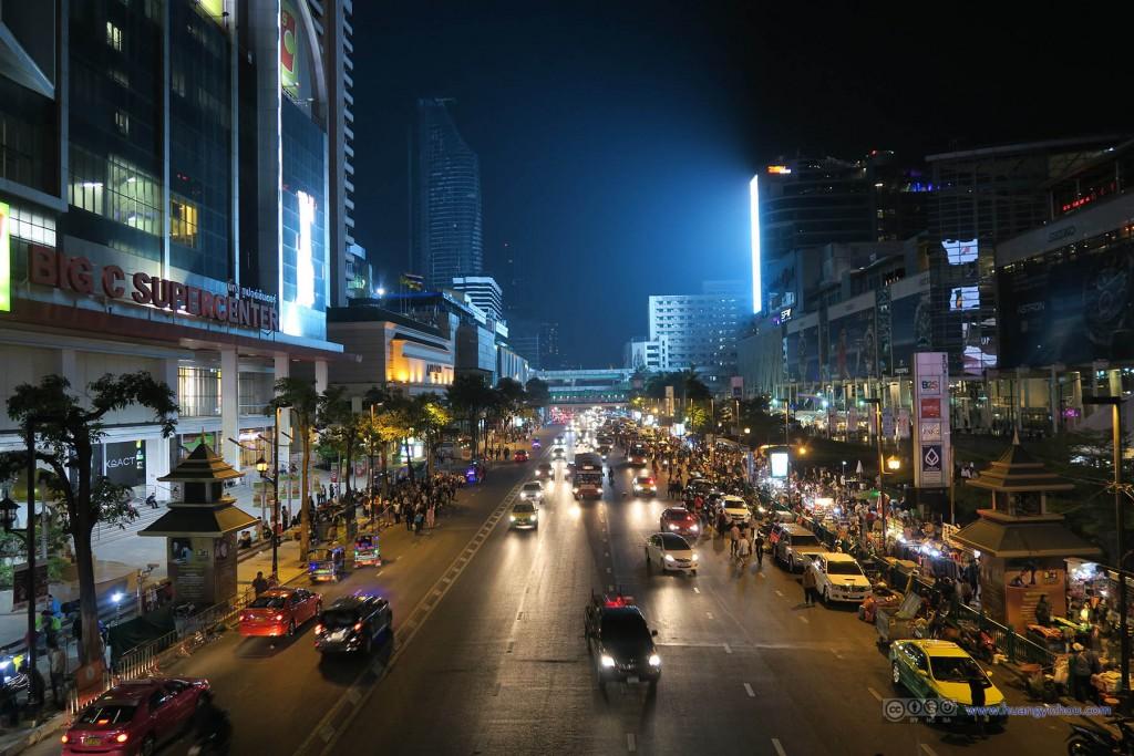 Central World门口的街道