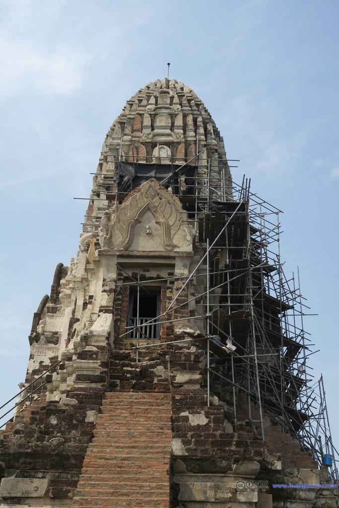 Wat Rat Praditthan,修复工作的脚手架