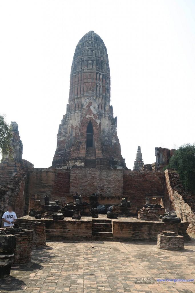 从这里可以看到Wat Phra Ram的主塔应该也是有内部结构的,但是没有开放