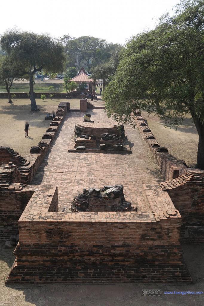 俯瞰Wat Phra Ram的入口