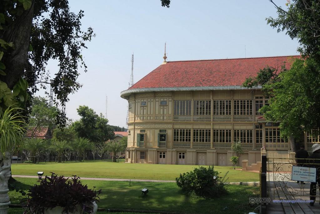 维曼默宫,也是五世皇柚木行宫,在五世皇去世之后被搬到了这里