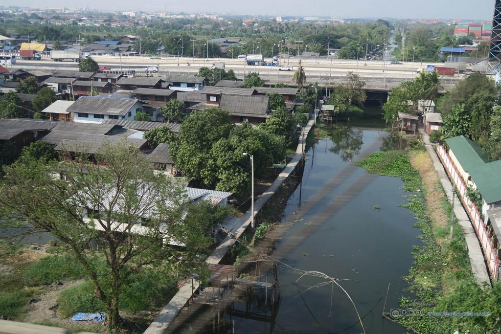 靠近机场的曼谷城郊